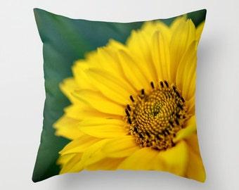 Yellow Flower Pillow, Macro Photography, Photo Pillow Cover, Yellow Daisy, Photo Home Decor, Throw Pillow, Indoor Pillow, Outdoor Pillow