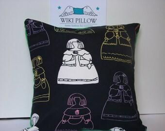 "Black ""Meninas"" Pillow cover."