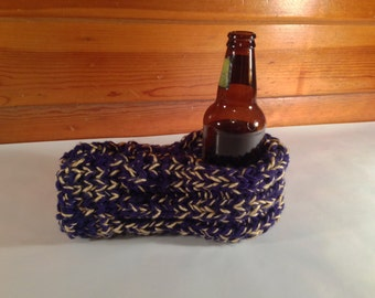 Navy and Gold Drink Mitten