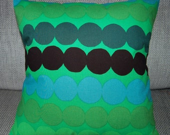 Kelly green pillow case, from  Rasymatto cotton fabric, Finland, various sizes available