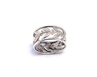 Silver Leaf Ring / Delicate Leaf Ring / Leaf Ring / Leaves Ring / size 7 US