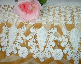 Crochet lace for edging. Board with the Roses of Ireland. Crochet House romantic style. To order.