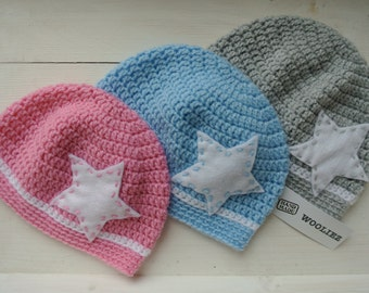 Crochet baby hat pink/blue/grey with star