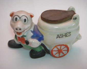 Vintage Tobacciana, Pig Ashtray, 1950s Pig Collectibles, Pig Pulling Ashes Cart with Flip Top, Novelty Ashtray, Ceramic Piggy