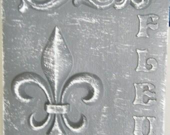 Fleur-De-Lis Decorative Plaque