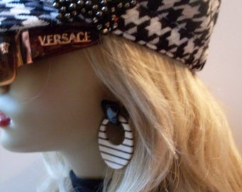 Houndstooth Always In Style Hat / Butterfly Applique  MMJewelryCollection  We Ship Internationally