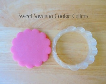 Scalloped Round Cookie Cutter- Available various sizes - Circle Cookie Cutter, Scallop edge