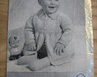 Vintage 1940's knitting pattern for second-size pram set P & B 84
