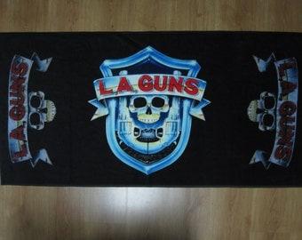 LA GUNS  - jumbo beach towel 140 /70 cm