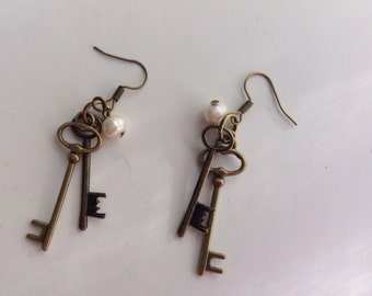 Steampunk Skeleton Key Earrings with Pearls