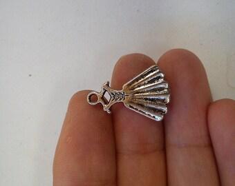 10 dress charm pendant tibetan silver antique silver style wholesale