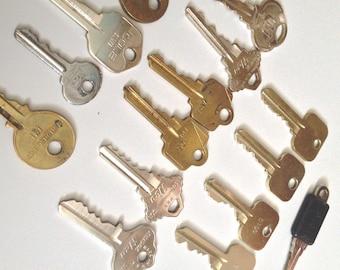 Door Keys - Mixed Lot of 16 Vintage Keys