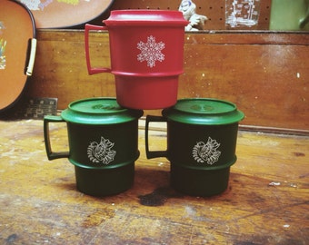 Vintage 1970s' Tupperware Christmas / Holiday Cups / Mugs with Lids. Set of 3