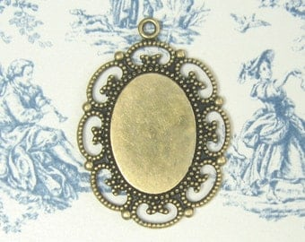 Oval Setting with Scroll Border Antiqued Plated Brass 7-108-GO