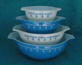 Pyrex Glass Mixing Bowl Set Cinderella Garland 4 Piece