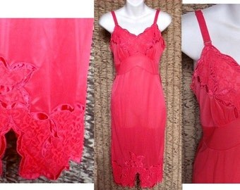 Vintage Slip Nylon Fuchsia Pink Lacy Movie Star Full Dress USA Pencil Skirt Old Hollywood Lavish Satin Appliques Fancy Size S/Small 32/34