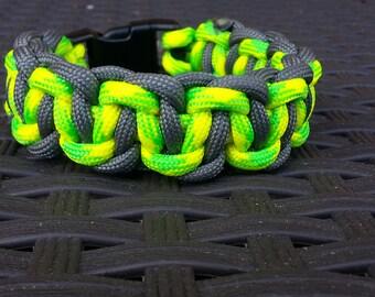 Cobra belly paracord bracelet