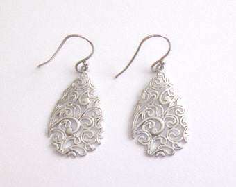 Paisley, filigree, earrings, gold, silver, simple, modern, teardrop, jewelry, birthday, gift for her