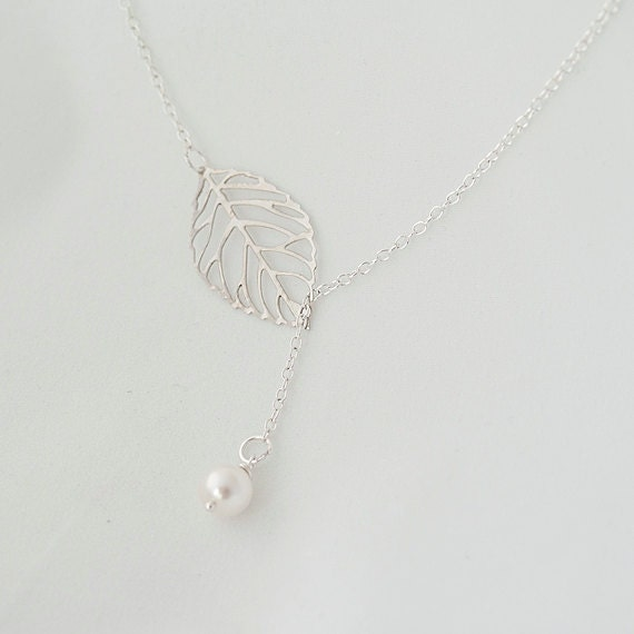Lariat Swarovski Pearl Necklace. Leaf Lariat Necklace.