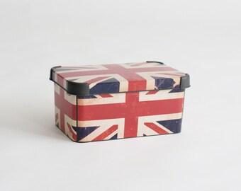 Newborn Prop British Flag Box