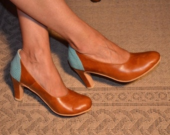 High heel leather handmade shoes / women shoes in Brown and green leather / Model Mary Jane