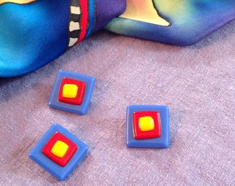 Stained glass buttons in the primary colors.  3 layers of glass.  Set of 3.