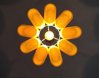 upcycle lampshade ChocoDaisy out of plastic Nesquik containers