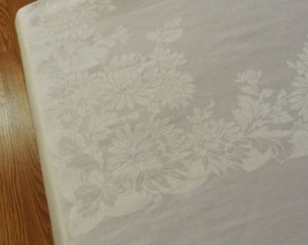 69x82 Vintage Antique White Irish Linen Double Damask Flower Tablecloth 164