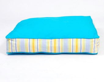 Two-Tone Refreshers Dog Bed - Blue and Beach