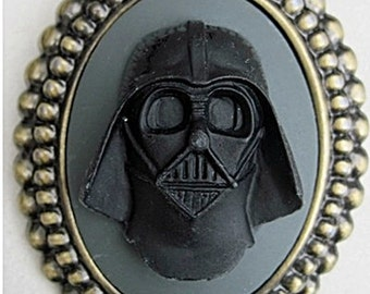 Retro vintage cameo brooch dark vador star wars george lucas SF fantasy