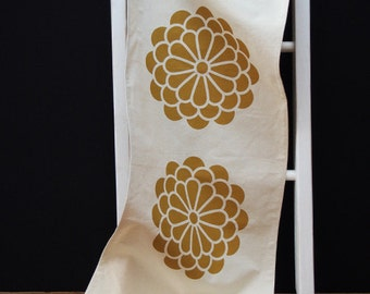Flower Table Runner – Yellow on Natural