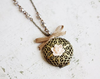 Romantic Treasures Vintage Locket Necklace - Shabby Chic Pink Delicate Jewelry