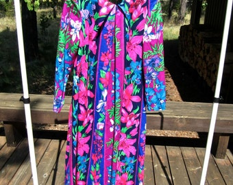 Floral Print 1960's Dress - Size XL - Long Kaftan Style - Green Blue Purple Pink Tropical Barkcloth Hawaiian Vintage