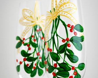 Mistletoe Champagne Flutes - Set of 2 Personalized Christmas Toasting Flutes - Christmas Mistletoe Flutes
