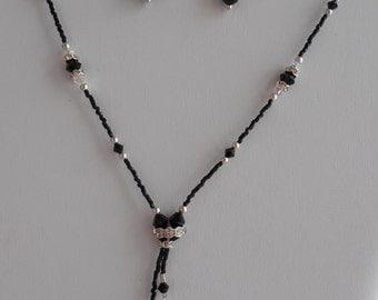 Simple Elegance Lariat Necklace in Jet Black