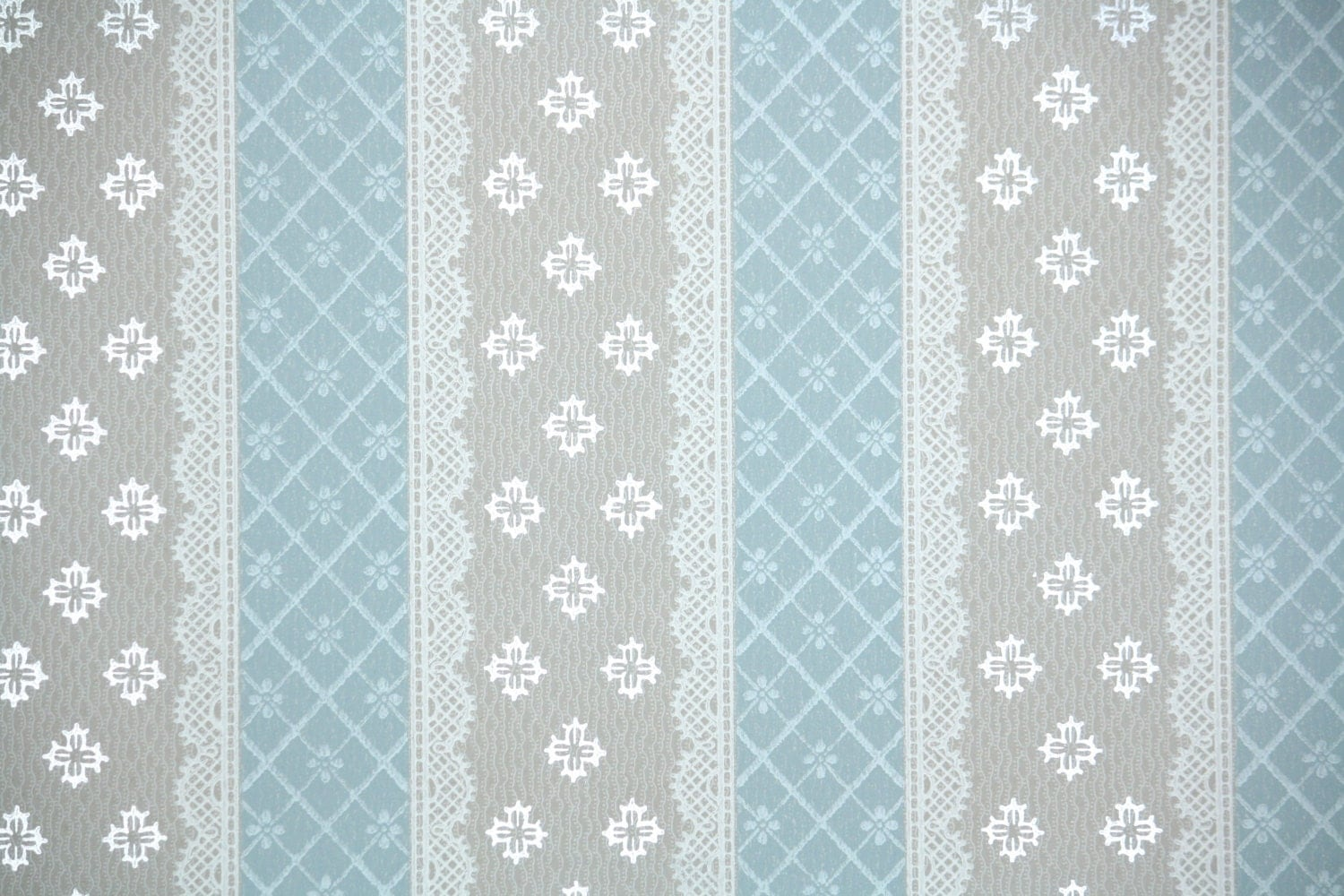 1940 39 S Vintage Wallpaper Blue And Gray Lace Stripe