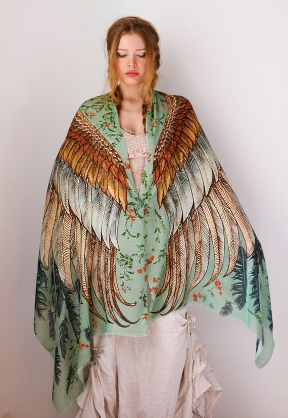 etsy, feather, owl, cape, cape top, cape dress, fall, winter, witchy, witchy style, witchy fashion, boho, bohemian, bohemian fashion, womenswear, womens fashion, cape fashion, top with cape, dress with cape, budget friendly, shopping, thrifting, high street style, high street fashion