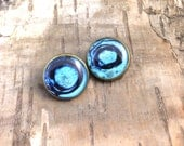 Blue clip on earrings - Liquid ear clips - Vintage style - 1940s 1950s 1960s - Bronze tone setting - Round earrings