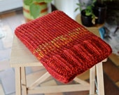 Laptop sleeve, macbook sleeve, apple bag, protective case, red autumn colours, knitted 13 inch