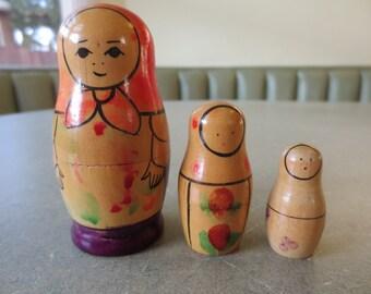 Vintage Nesting Dolls, Wooden Nesting Dolls, Vintage Matryoshka, USSR, Folk Craft Russian Craft Babushka Dolls, Beriozka Store, Kawaii Zakka