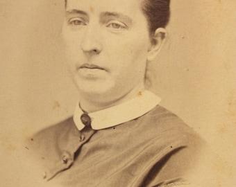 Vintage Cabinet Card, Vintage Photograph, Vintage Portrait, Antique Photo, picture of a stern woman