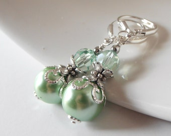 Mint Pearl Earrings, Clover Bridesmaid Jewelry, Beaded Dangles, Green Wedding Sets, Bridal Party Gift
