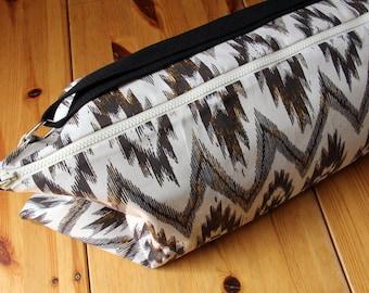 Yoga Bag, Messenger Style Yoga Bag, Ikat Yoga Bag, Tribal Print, Southwestern Print Yoga Bag, Boho Chic, Large Yoga Bag
