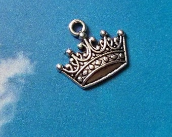 10 crown charms, silver tone, 18mm