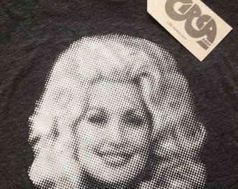 Dolly Parton t shirt on Heather Black tee with Light Gray pring