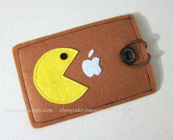 Custom Size Felt Pacman iPhone Case, Cell Phone Sleeve, iPhone 6 case, Handmade cell phone purse, pacman case, iPhone 7 case
