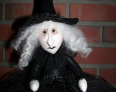 WiTcH HaLLoWeeN PRiMiTiVE FoLk ArT DoLL GoThiC  OoAK