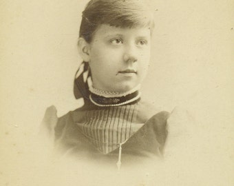 Fred Mueller 1890 Philadelphia PA Young Lady Lovely Girl Portrait Cabinet Card Antique Photo Black White Photograph