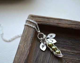 Mothers Necklace, Personalized Necklace, Initial Peas in a pod necklace,Sister Gift, Best Friends Gifts