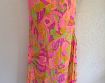 Vintage 1960 Psychedelic print dress. New old stock.  Mod print.